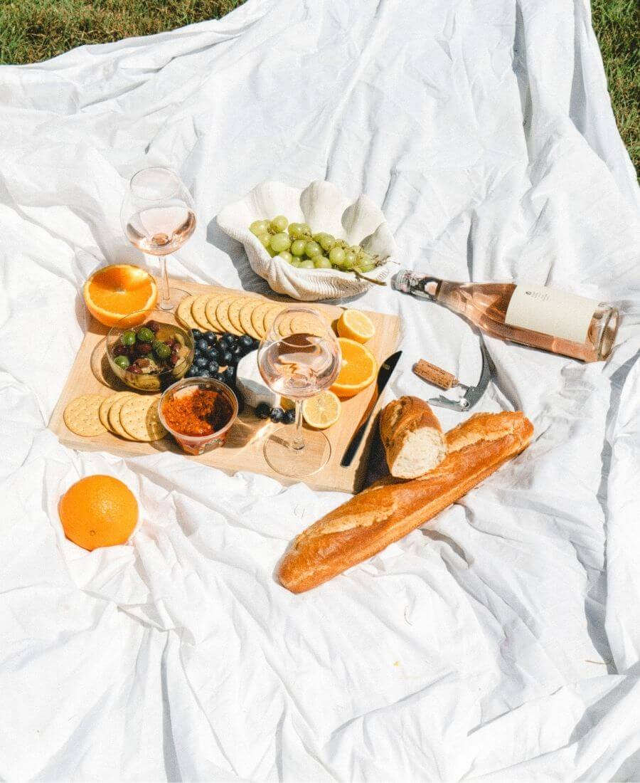 Wondering what to pack for a romantic picnic date? Take the stress out of planning with these favourite finds for the perfect picnic for two! #picnicideas #picnicdate #summerpicnic #picnicfortwo #perfectpicnic
