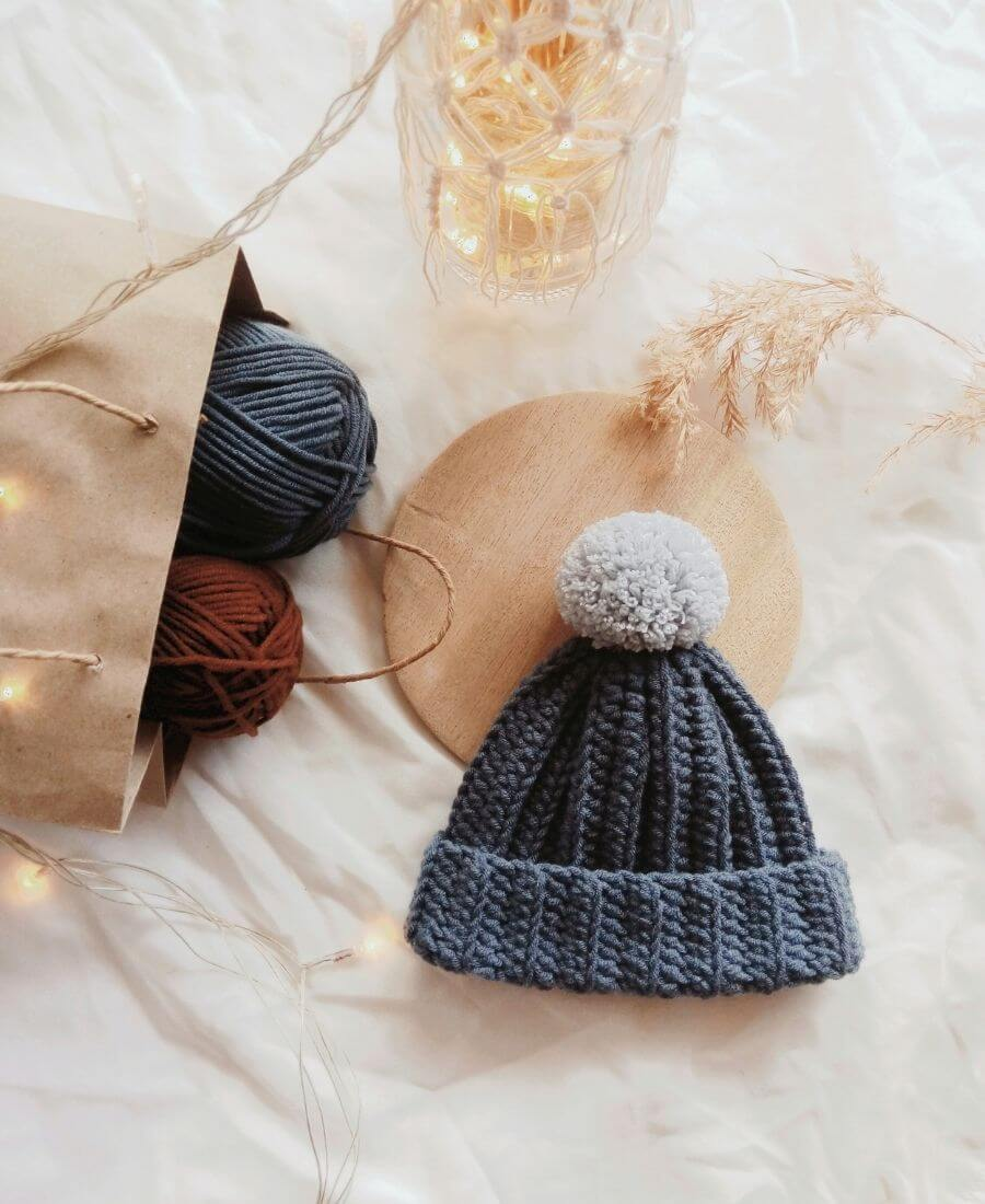 Support small businesses as you holiday gift shop with Etsy!  Here are our best gifts on Etsy 2020 in Wellness, Home, & Style (+ stocking stuffers too!) #etsygiftideas #etsygiftguide #etsygiftsforwomen #holidaygiftguide2020