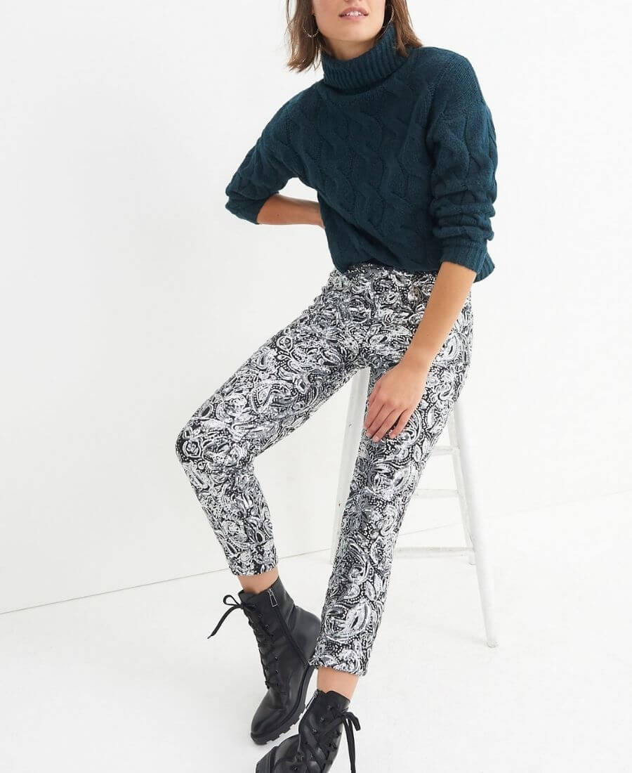 Check out our best sales of the week! This week you'll find our top picks from the Old Navy, Lululemon, Saks Fifth Avenue, and Anthropologie sales! #favoritefinds #favouritefinds #wishlist #bestoftheweek