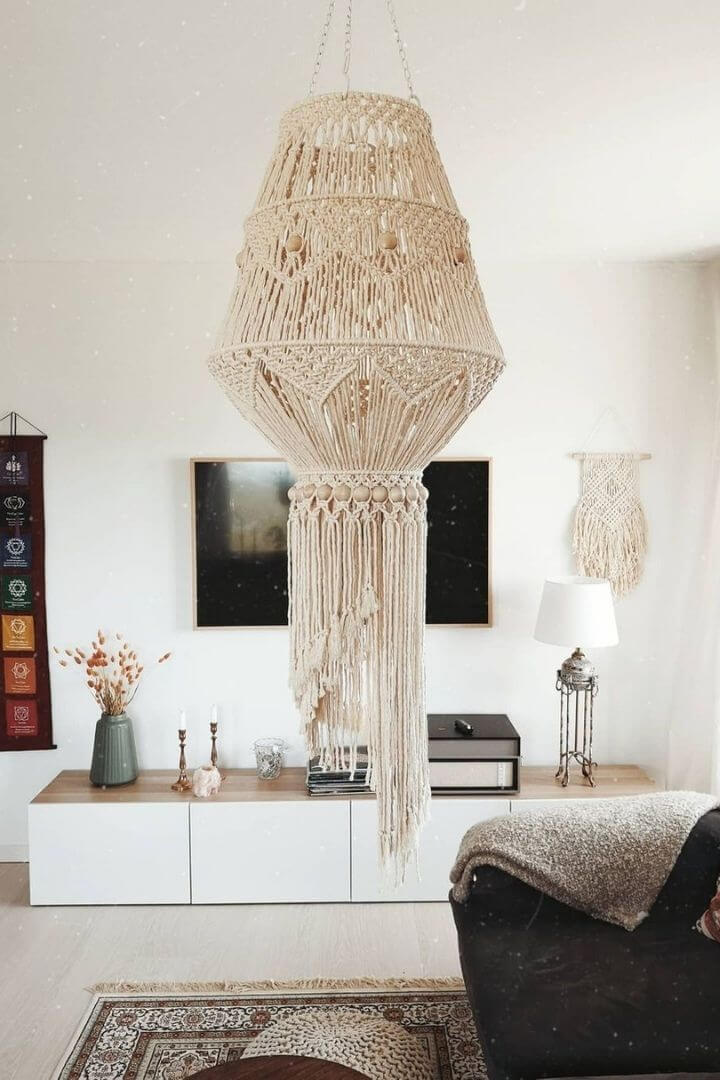 source: macramebysanna/ Are you also coveting macrame home decor and looking for some decorating inspiration? Here are some pretty macrame-filled spaces and my favourite finds! #macramehomedecor #macramehomedecorinspiration #macramedecor #macramedecorideas