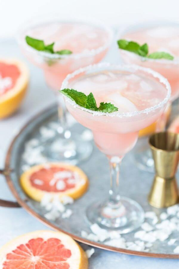 source: pizzazzerie.com/ Looking for some new Valentine's Day cocktail recipes? Here are 20+ Pink Valentines Cocktails that are perfect for that special day! And pretty too! #valentinesdaycocktails #pinkcocktails #valentinecocktailrecipes #pinkcocktailrecipes