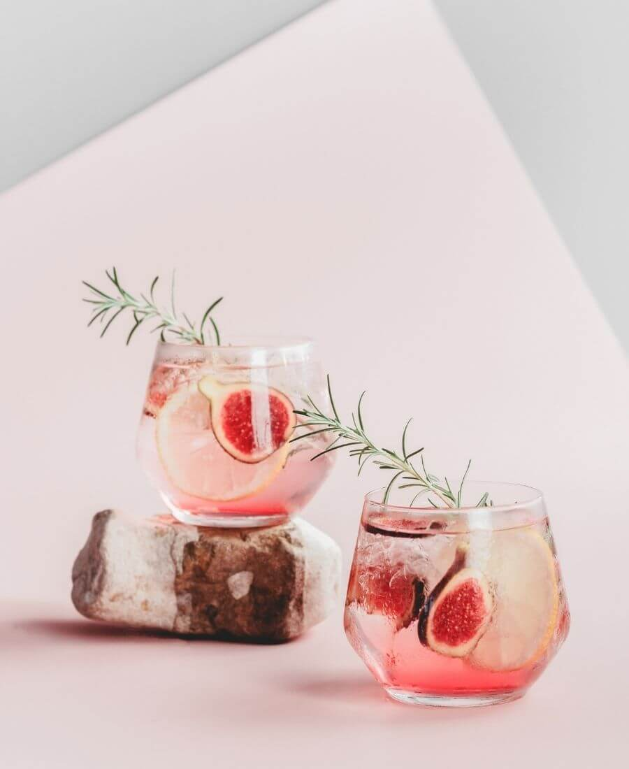 Looking for some new Valentine's Day cocktail recipes? Here are 20+ Pink Valentines Cocktails that are perfect for that special day! And pretty too! #valentinesdaycocktails #pinkcocktails #valentinecocktailrecipes #pinkcocktailrecipes