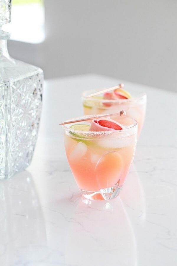 source: poshlittledesigns.com/ Looking for some new Valentine's Day cocktail recipes? Here are 20+ Pink Valentines Cocktails that are perfect for that special day! And pretty too! #valentinesdaycocktails #pinkcocktails #valentinecocktailrecipes #pinkcocktailrecipes