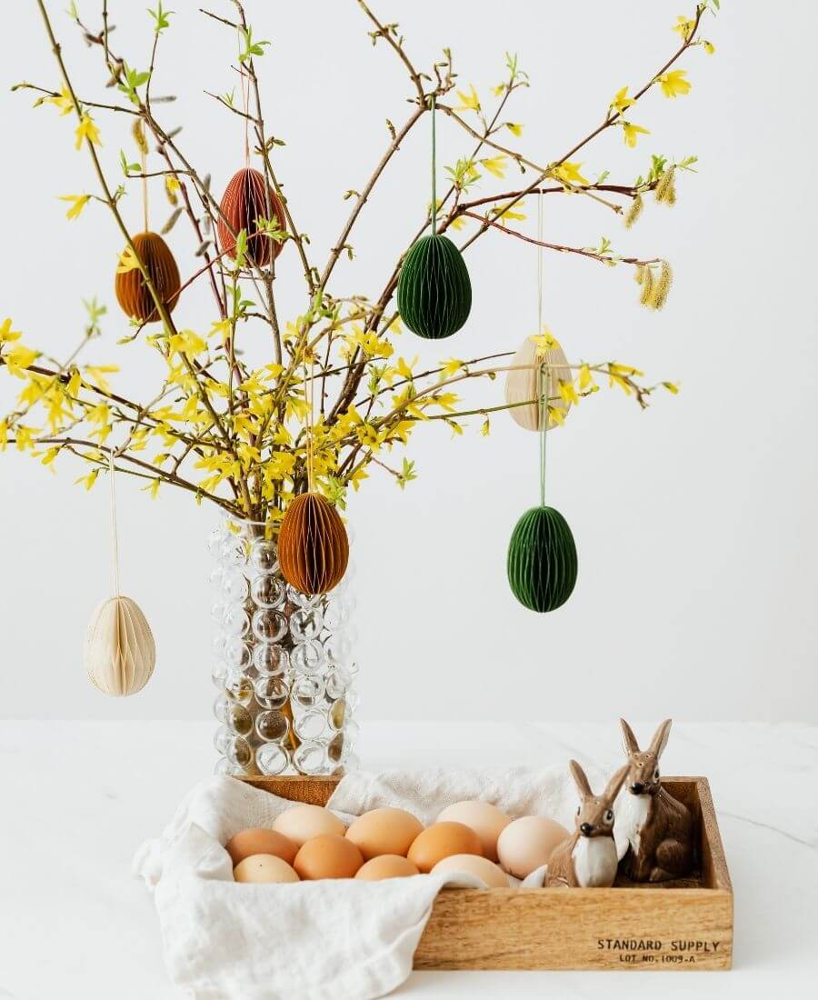 Happy (almost) Easter!  Looking for some Easter tablescapes to inspire your table setting this year?  Here are the beautiful ones inspiring me! #eastertablescapes #eastertablescapesideas #eastertablesettings #eastertabledecor #easter #tulipandsage