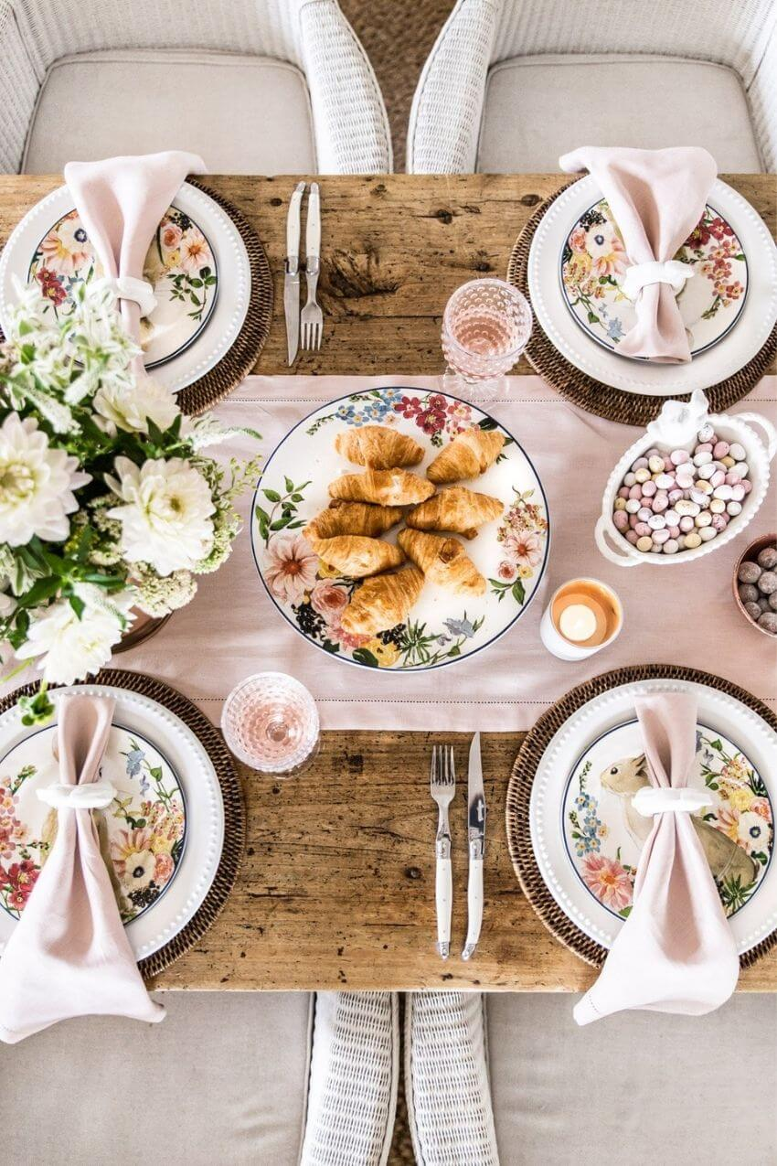 source: cottonwoodandco.com/ Happy (almost) Easter!  Looking for some Easter tablescapes to inspire your table setting this year?  Here are the beautiful ones inspiring me! #eastertablescapes #eastertablescapesideas #eastertablesettings #eastertabledecor #easter #tulipandsage