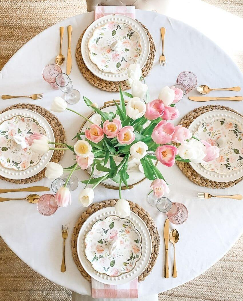 source: thediaryofadebutante.com/ Happy (almost) Easter!  Looking for some Easter tablescapes to inspire your table setting this year?  Here are the beautiful ones inspiring me! #eastertablescapes #eastertablescapesideas #eastertablesettings #eastertabledecor #easter #tulipandsage