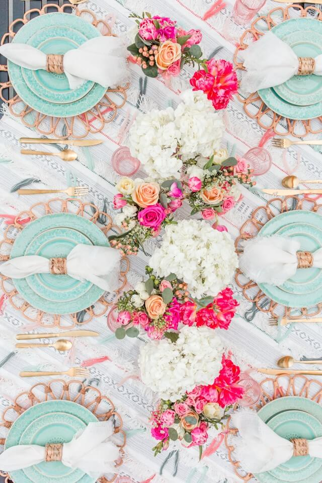 source: tohavetohost/ Happy (almost) Easter! Looking for some Easter tablescapes to inspire your table setting this year? Here are the beautiful ones inspiring me! #eastertablescapes #eastertablescapesideas #eastertablesettings #eastertabledecor #easter #tulipandsage