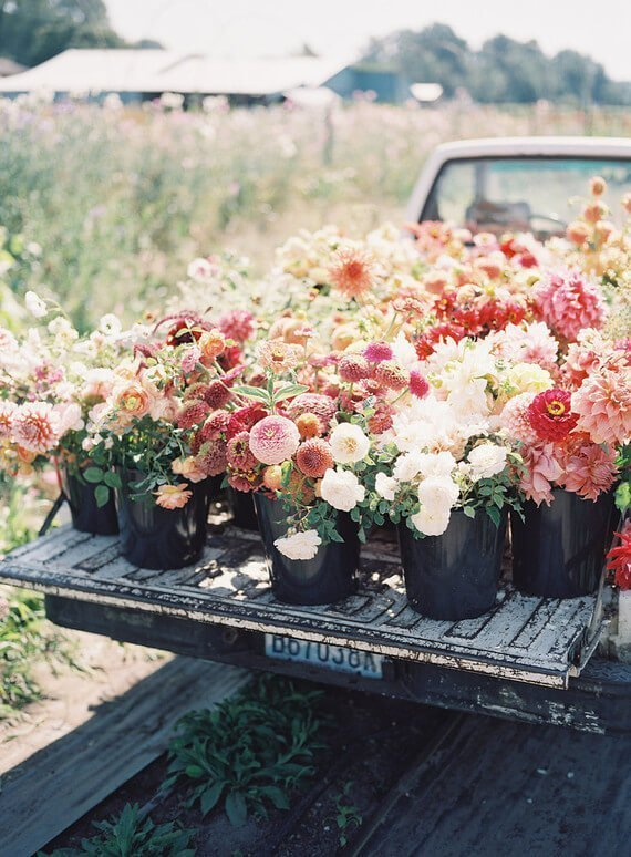source: 100layercake.com/ Who else is ready for some warmer weather? To celebrate this beautiful season, peek through The Spring Edit for florals, pastels, and all things SPRING! #springaesthetic #spring #springinspiration #springquotes #tulipandsage