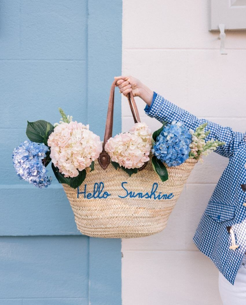 source: juliaberolzheimer.com/ Who else is ready for some warmer weather? To celebrate this beautiful season, peek through The Spring Edit for florals, pastels, and all things SPRING! #springaesthetic #spring #springinspiration #springquotes #tulipandsage