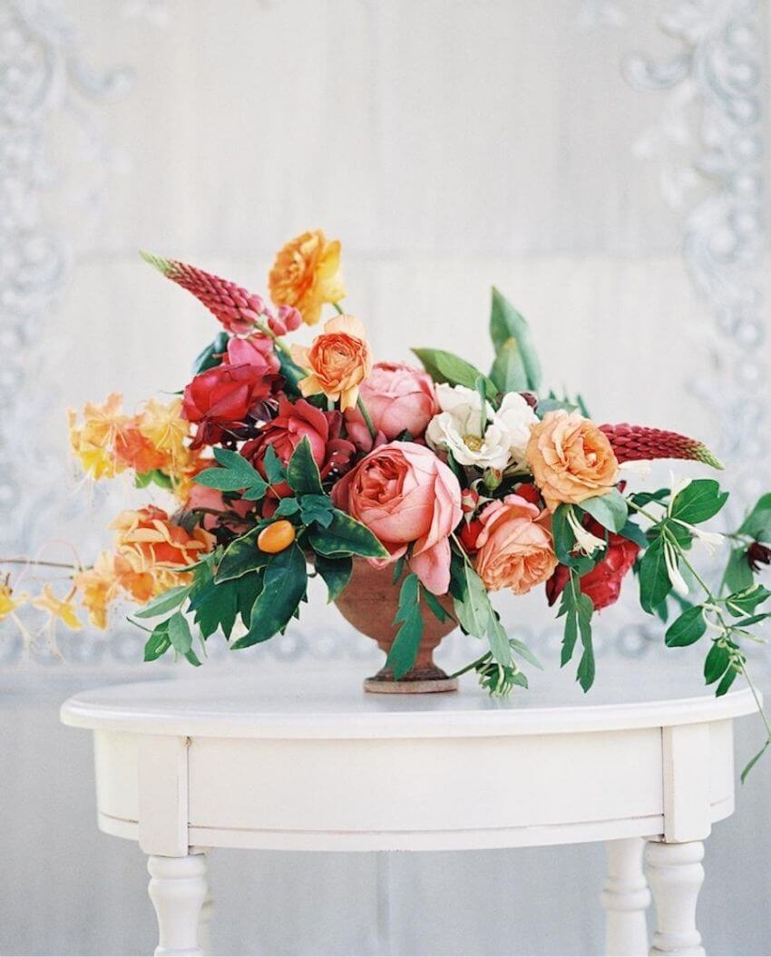 source: stylemepretty.com/ Who else is ready for some warmer weather? To celebrate this beautiful season, peek through The Spring Edit for florals, pastels, and all things SPRING! #springaesthetic #spring #springinspiration #springquotes #tulipandsage
