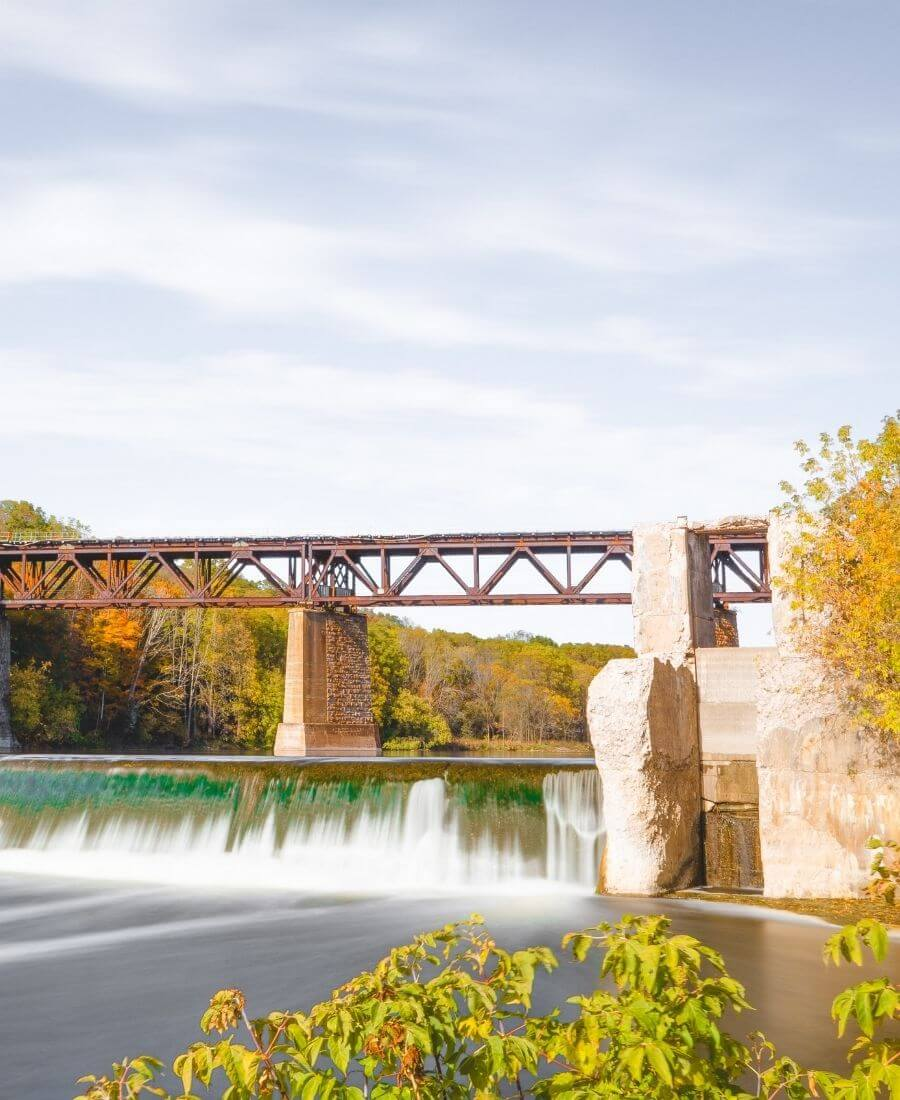 Voted the Prettiest Little Town in Canada, Paris, Ontario is a place I really hope to visit this summer. And just over an hour's drive away from Toronto! #parisontario #parisontariocanada #tulipandsage #placestovisitincanada #travelinspiration #littletownaesthetic