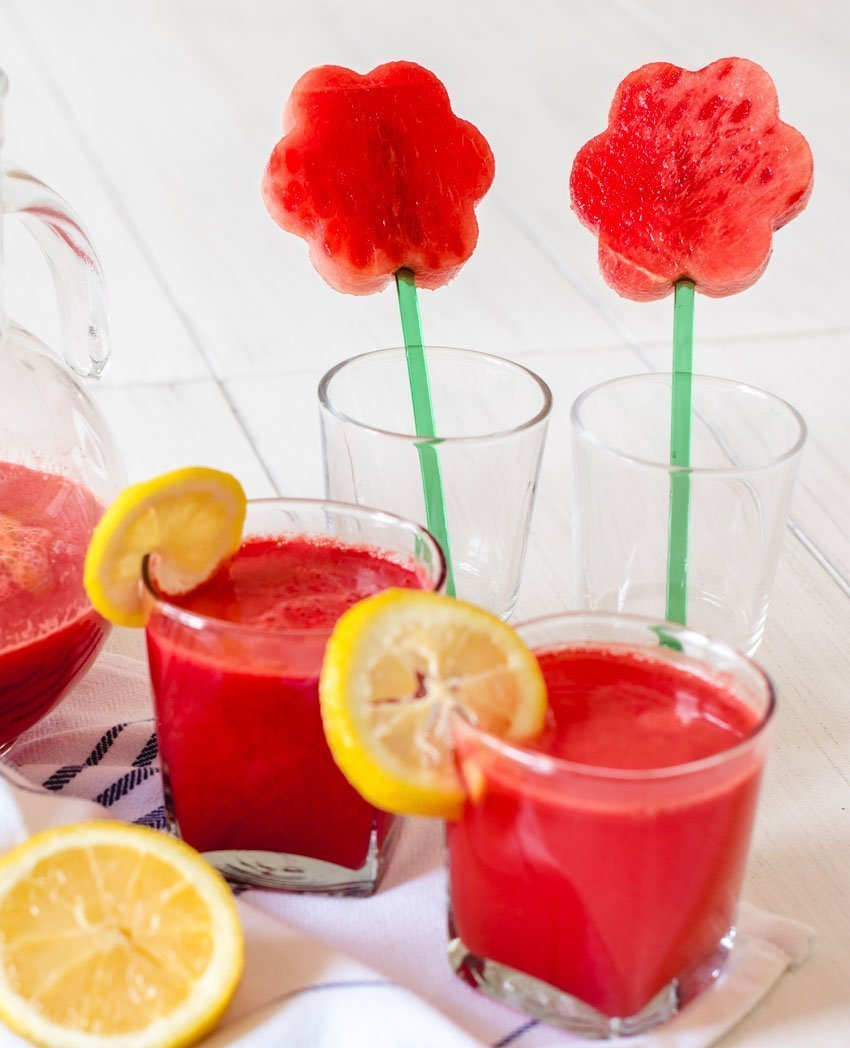 Not sure what to do with your leftover watermelon?  Try this watermelon juice recipe!  It's quick and easy, super hydrating, and good for you! #watermelonrecipes #watermelonjuice #watermelon #watermelondrinkrecipes #tulipandsage