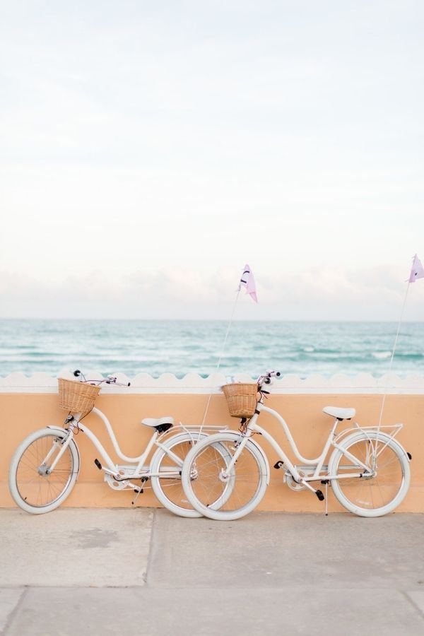 source - abbycapalbo.com/ Who else is so looking forward to the summertime? Road-tripping, barbeques, patio dining - the list goes on! Browse through for some serious summer vibes! #summervibes #summeraesthetic #summer #summerinspiration #summerideas #tulipandsage