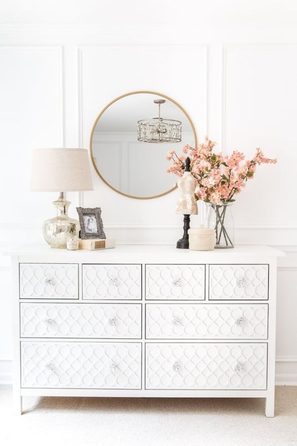 source - blesserhouse.com/ Who else is obsessed with IKEA dresser hacks?! Looking for ways to refresh your IKEA dresser or chest of drawers? Here are my absolute favourite hacks! #ikeahacks #ikeahackideas #ikeadresserhack #ikeadressermakeover #ikeachestofdrawershack #tulipandsage