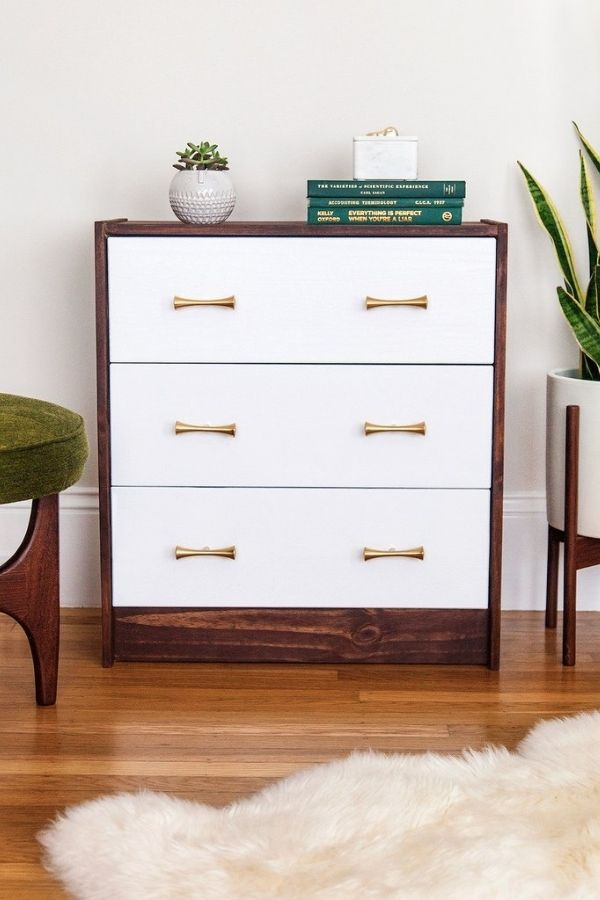 source - ikeahackers.net/ Who else is obsessed with IKEA dresser hacks?! Looking for ways to refresh your IKEA dresser or chest of drawers? Here are my absolute favourite hacks! #ikeahacks #ikeahackideas #ikeadresserhack #ikeadressermakeover #ikeachestofdrawershack #tulipandsage