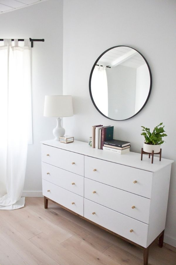 source - kristinalynne.ca/ Who else is obsessed with IKEA dresser hacks?! Looking for ways to refresh your IKEA dresser or chest of drawers? Here are my absolute favourite hacks! #ikeahacks #ikeahackideas #ikeadresserhack #ikeadressermakeover #ikeachestofdrawershack #tulipandsage
