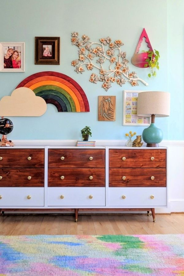source - realitydaydream.com/ Who else is obsessed with IKEA dresser hacks?! Looking for ways to refresh your IKEA dresser or chest of drawers? Here are my absolute favourite hacks! #ikeahacks #ikeahackideas #ikeadresserhack #ikeadressermakeover #ikeachestofdrawershack #tulipandsage
