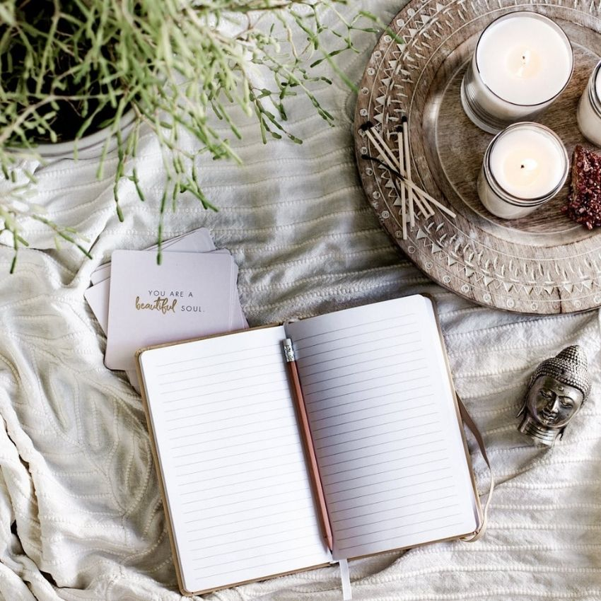 source - namastenewyork/ Having trouble falling asleep due to an anxious mind? Here are 10 simple nighttime routine tips to help you calm your mind, and get a good night's rest! #sleeptips #anxietytips #nighttimeroutine #mentalwellness #selfcare